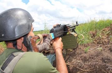 Военным в зоне АТО запретили пользоваться мобильными
