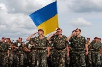 Порошенко: Сегодня украинская армия стала боеспособной