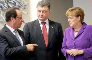 Порошенко, Меркель и Олланд выступают за отвод вооружений калибром менее 100 мм