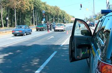 В Виннице неизвестные расстреляли авто, двое погибших