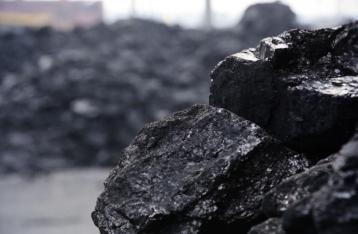 Украина с начала года вдвое сократила добычу угля