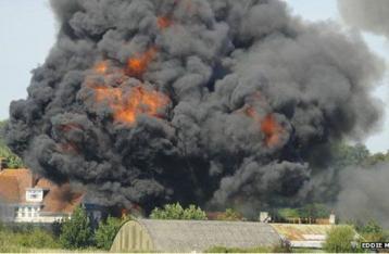 Трагедия в Англии: Самолет упал во время шоу