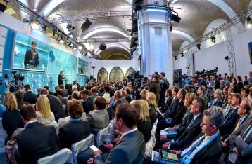Порошенко: Если РФ будет мешать мирному процессу, санкции усилят