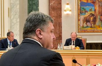 Путин попросил Порошенко о личной встрече в Париже