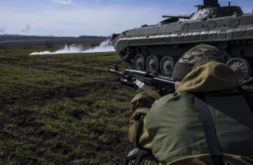 ЛНР анонсировала начало отвода танков на утро субботы