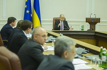 Яценюк: Кто не проголосует за безвизовый режим, будет лишен диппаспорта