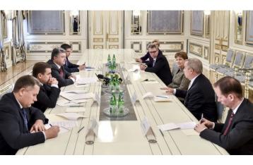 Порошенко: За нарушение Минских соглашений РФ заплатит еще большую цену