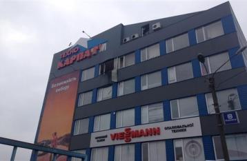 В Мукачево неизвестные обстреляли из гранатомета торговый центр