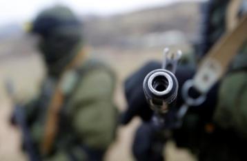 В результате обстрела под Авдеевкой погиб военный, еще двое ранены