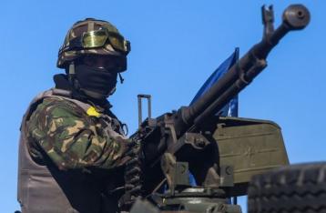 Порошенко: Военные в зоне АТО резко повысили уровень боевой готовности