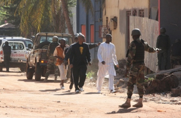 Силовики освободили всех заложников из отеля в Мали