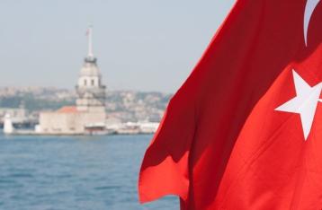 Российские туроператоры приостановили продажи путевок в Турцию