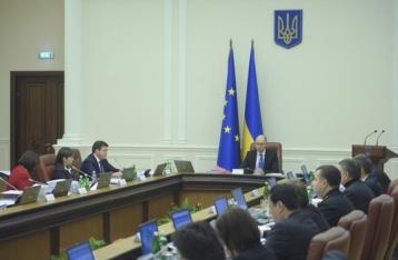 У Яценюка отбросили обвинения в коррупции и призвали к единству