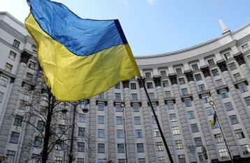 Яценюк анонсировал введение контрсанкций против России