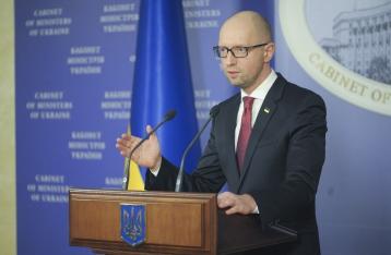 Яценюк обещает до последнего молчать о конфликте в коалиции