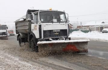 Яценюк требует от местных властей заняться ликвидацией последствий непогоды