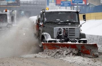 Киев завтра засыплет снегом. Грузовикам могут запретить въезд