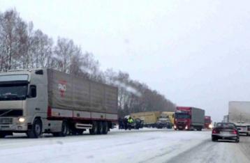 Полиция разрешила грузовикам въезжать в Киев