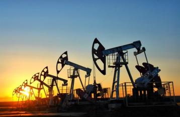 Цены на нефть снова упали ниже $30