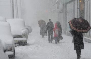 По Киеву и области на ближайшие двое суток объявлено штормовое предупреждение