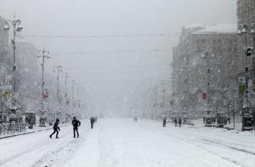 На Киев надвигается снегопад. Грузовикам могут запретить въезд