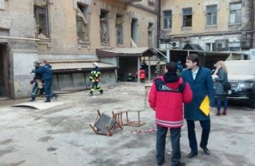 Из-под завалов обвалившегося в центре Киева дома извлекли тело погибшего