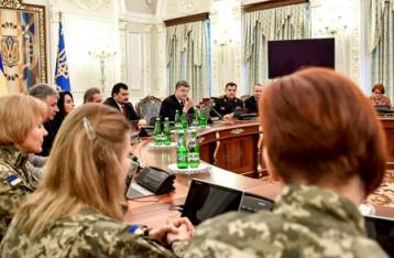 Порошенко пообещал удвоить усилия по возвращению Савченко