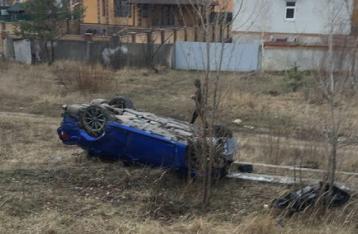 В Киеве «Лексус» снес остановку, погиб мужчина