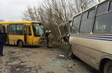 На Львовщине столкнулись автобусы: десятки пострадавших