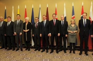 12 стран Европы призвали немедленно отменить визы для украинцев