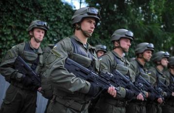 Порошенко поручил ввести в Одессу дополнительные силы полиции и Нацгвардии