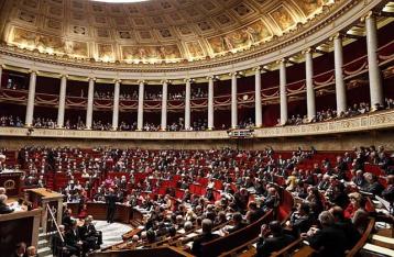 Парламент Франции предложил снять санкции с России