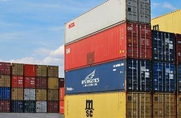 В первом полугодии дефицит внешней торговли товарами вырос на 40%