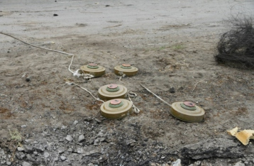 Грузовик украинских военных подорвался на мине, один боец погиб, двое ранены