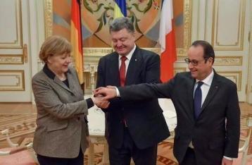 Порошенко попросил Олланда помочь с визами для украинских болельщиков