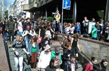 Марш равенства завершился. В полицию доставили 50 человек