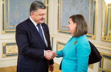 В АП рассказали подробности незапланированной встречи Порошенко и Нуланд