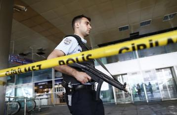 Число жертв теракта в стамбульском аэропорту увеличилось до 42
