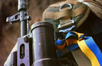За сутки один военный погиб, 11 – ранены