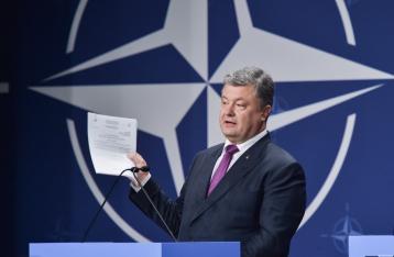 Порошенко о членстве в НАТО: сначала реформы, потом референдум