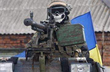 Военные в ходе боя задержали трех членов НВФ, один умер от ран