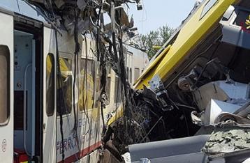 Количество жертв столкновения поездов в Италии достигло 20 человек