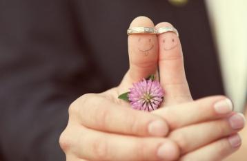 В шести городах разрешили жениться за сутки
