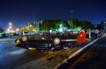 Жертвами попытки военного переворота в Турции стали 90 человек