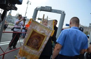 Во время крестного хода задержали пророссийских активистов