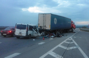 В ДТП на одесской трассе погибли восемь человек