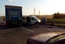 В результате ДТП под Ростовом погибли 2 украинцев, еще 7 – ранены