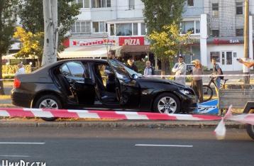 В Николаеве водитель BMW сбил насмерть четверых дорожников