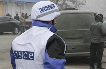Наблюдатели ОБСЕ попали под обстрел в Золотом