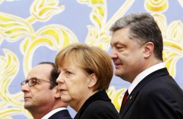 Порошенко, Меркель и Олланд проводят переговоры